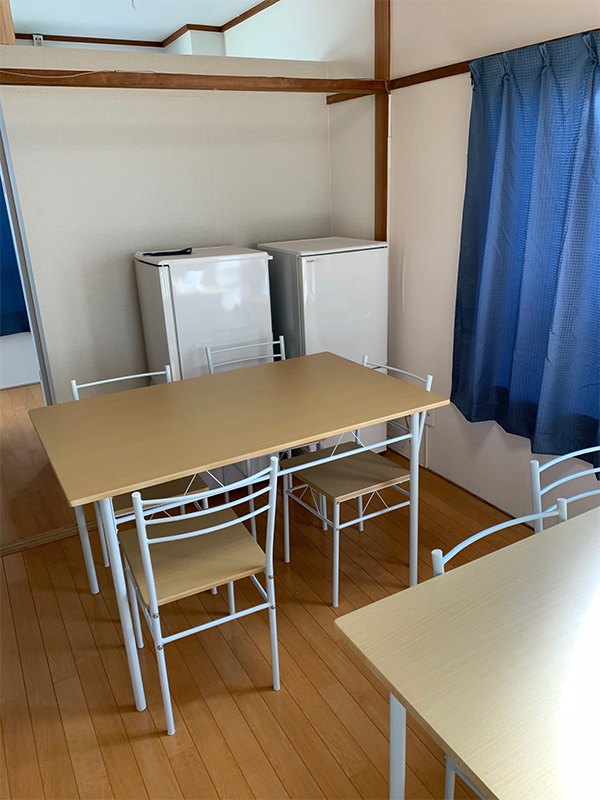 宿舎内食事スペース